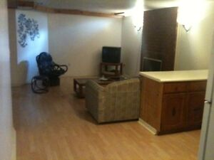1Room 5minute walk to Fleming College