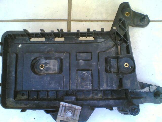 vw golf 5 battery tray