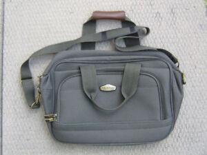 Ricardo Of Beverley Hills Travel Bag / Tote