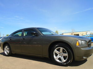 2009 Dodge Charger SXT SPORT -3.5L V6-JUST LIKE NEW IN AND OUT