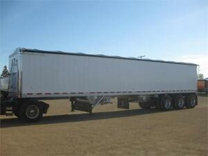 Wilson tri axle grain trailer