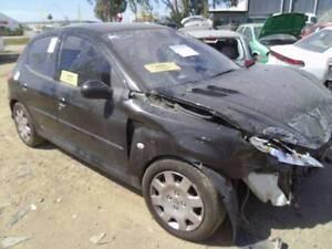 Peugeot 2-Series Hatchback 2006 model Wrecking !!!!