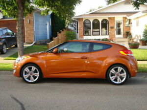 2012 Hyundai Veloster - Fully Loaded - Warranty til 2020