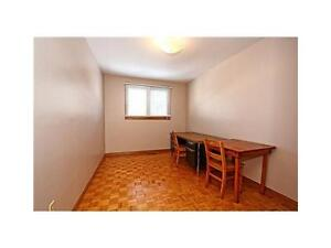 Extra Big Cleaning Room - 5 Mins Waling Conestoga Doon Compus!!! Kitchener / Waterloo Kitchener Area image 6