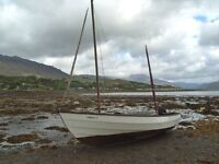 Drascvombe Lugger, fully rigged & equipped, 4hp four stroke oputboard, swinging roller trailer.