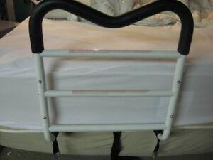 Barre d'appui de lit antidérapante Bed aid M
