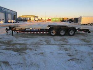 2017 CARHAULER/CONSTRUCTION 26FT TRIPLE AXLE (21,000 LB GVW)