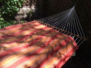 Quilted striped hammock without stand
