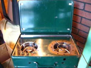 Camping Stove 20$ good cond