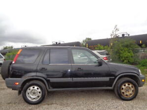 1998 HONDA CR-4WD-2.0L 4 CYL-5 SPEED- RUNS AND DRIVES EXCELLENT