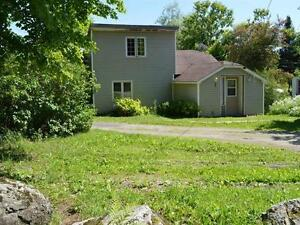 SUPER DEAL - 2 Bedroom Home in Eastern Townships close to Nature