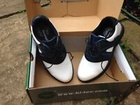 CHILDREN'S GOLF SHOES, SIZE 2, HARDLY USED