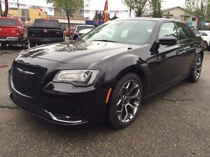 2015 Chrysler 300 Series S-NAV-A/C SEATS PANO ROOF