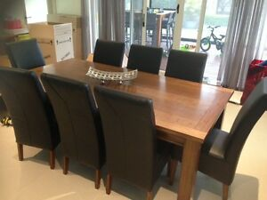 Excellent Condition Hardwood 6p Furniture Set Darling Downs Serpentine Area Preview