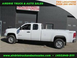 2011 GMC Sierra 2500HD WT 4X4 Ext Cab 8Ft Box