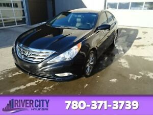 2013 Hyundai Sonata SE Leather,  Heated Seats,  Sunroof,  Blueto