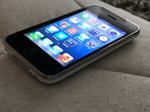 iPhone 3GS 32GB with box - great collectible!