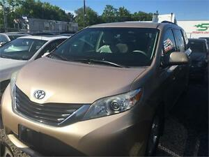 2011 Toyota Sienna LE|8 PASSENGERS|BACK UP CAM|