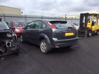 FORD FOCUS GHIA TDCI GREY 2005 BREAKING FOR SPARES