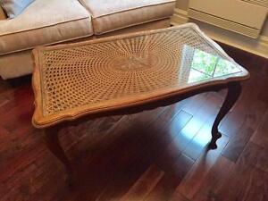 Table de chêne de 36 x 21 x 21 pouces avec dessus en verre