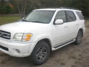 2003 Toyota Sequoia	4x4 LIMITED DVD/LEATHER
