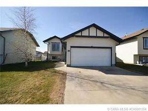 +++ AFFORDABLE STARTER HOME LOCATED IN PENHOLD +++