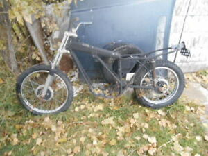 CAM AM DIRT BIKE FRAME