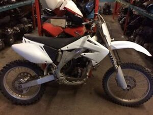 2004 HONDA CRF450R FOR PARTS  BLOWN ENGINE