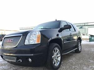 2011 GMC Yukon Denali AWD 6.2L V8 Loaded ~ DVD ~ $325 B/W
