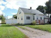 Perfect starter or retirement home close to downtown Amherst!