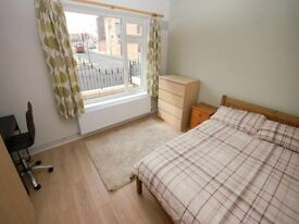 Fully furnished Double bedroom - Kensington