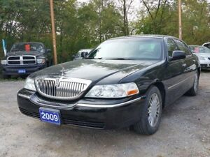2009 Lincoln Town Car Signature Limited,certified
