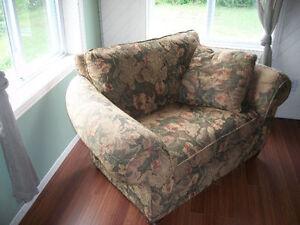 Magnifique fauteuil - mini-causeuse  / Look antique !