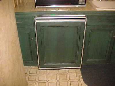 USED SUB ZERO UNDER THE COUNTER REFRIGERATORS/FREEZER ICE  (PARTS ONLY) 6 CU.FT.