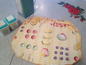 Vintage Kitchen Decor! Set 9 Cotton Placemats,never used.Mint!
