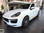 Porsche Cayenne Turbo *SportDesign/ Rearseat Entertain*