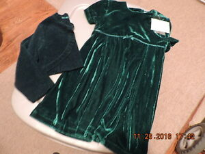 Girl's 24months Green Velour Dress & Shrug - NEW with Tags