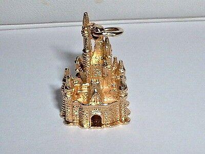 14k YELLOW GOLD 3D WALT DISNEY MAGIC KINGDOM CASTLE PENDANT CHARM