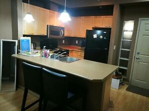 ****150 steps away from LRT station, 2 bedrooms cozy condo for r