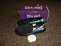 New USA Pro Lolite Slip Reflect Leopard Shoes - size 5