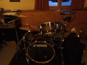 Complete Ready to roll 4 Pc drum kit