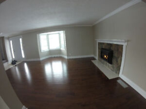 NEWLY REFINISHED Home for Rent in Nepean