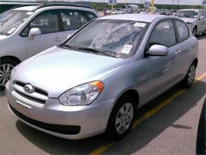 2011 Hyundai Accent 5 SPEED  Certified/E.tested/has Snow tires