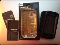 Original Lunatik TaktikTM Extreme iPhone5 case - Black with red port cover - Heavy duty