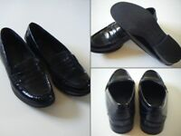 Black Patent Leather Loafers by Footglove Fashion - Size 7.5