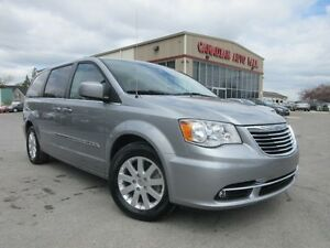 2016 Chrysler Town & Country TOURING, NAV, BT, HTD. SEATS, 28K!