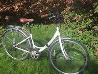 "Medium Ladies Bike, Hybrid Dutch style casual vintage style, adjustable height ideal for 5""3-5""8"