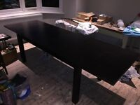 Extending dining table - very good condition