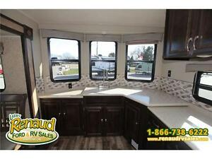 NEW 2016 Palomino Puma 39 PFK Park Model Windsor Region Ontario image 10