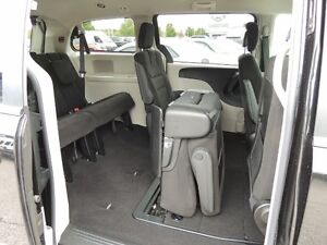 2016 Chrysler Town & Country Touring Windsor Region Ontario image 20